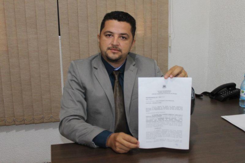 ROLIM DE MOURA: Vereador Ivan Vasconcelos solicita audiência pública para regionalizar a saúde do município
