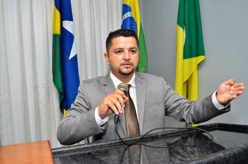 ROLIM DE MOURA: Vereador alerta para crise econômica no comércio