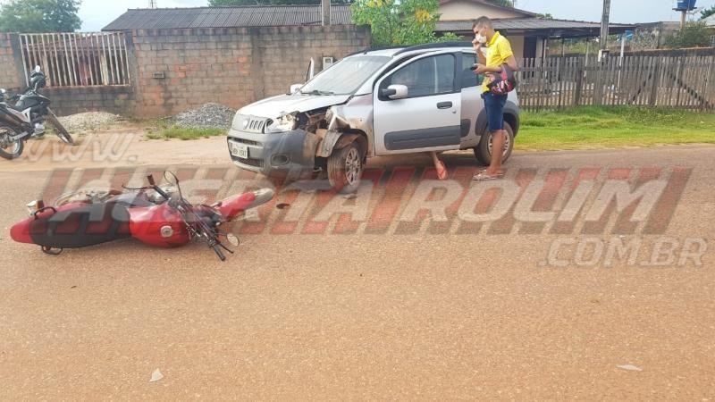 Colisão frontal entre moto e carro deixa um ferido no Bairro Boa Esperança, em Rolim de Moura