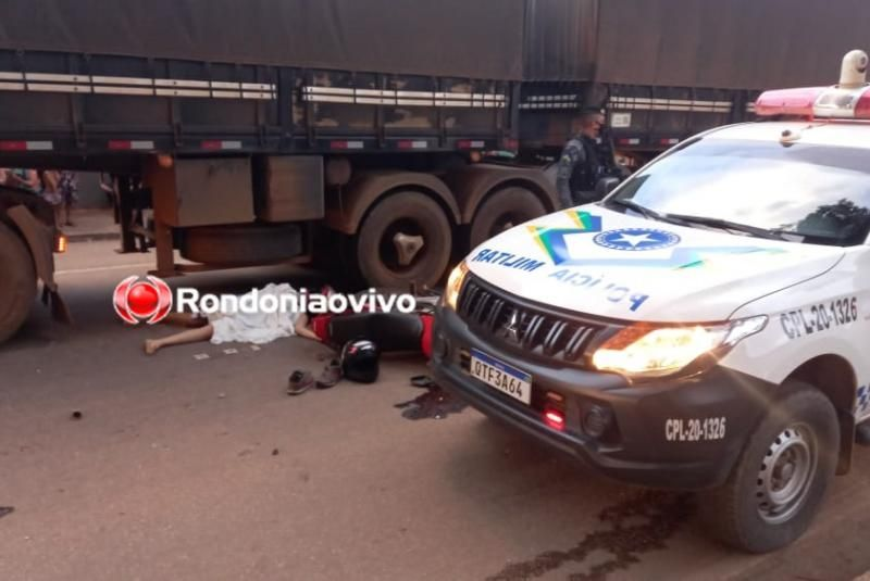 Mulher morre atropelada por carreta após colidir em viatura da PM em Porto Velho