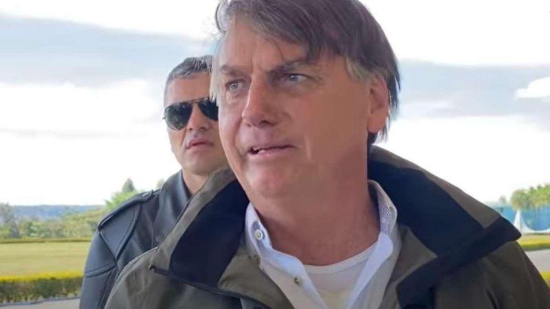 """Bolsonaro admite que errou ao citar suposto relatório contestando nº de óbitos do TCU, mas insiste na """"supernotificação"""" de mortes por covid-19"""