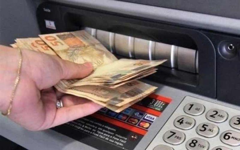 Governo de Rondônia paga primeira parcela do 13° salário dos servidores nesta sexta-feira, 9