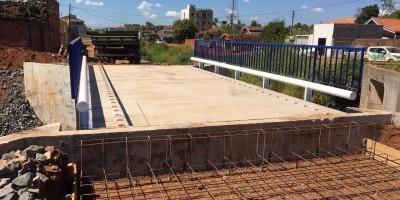 Aldo Júlio agradece Lúcio Mosquini por recursos para construir ponte de concreto armado...
