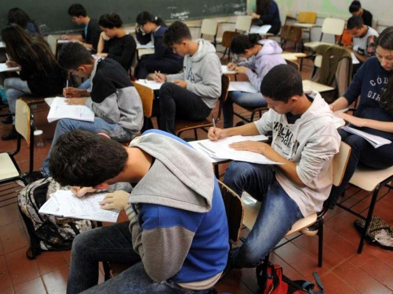 Aulas presenciais devem retornar em setembro nas escolas municipais de Rolim de Moura