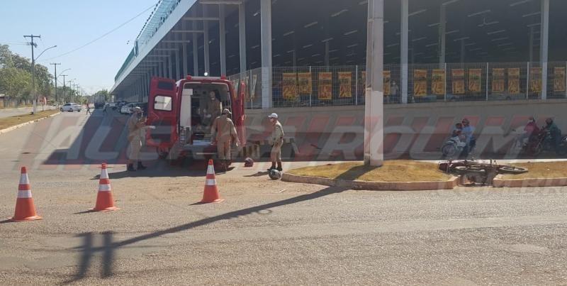 Duas motocicletas se envolvem em acidente próximo a UPA em Rolim de Moura