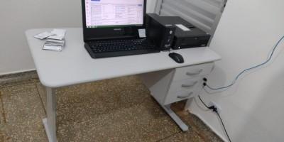 Vara do Trabalho doa mobília para sala do teste do pezinho da Policlínica de Rolim de...