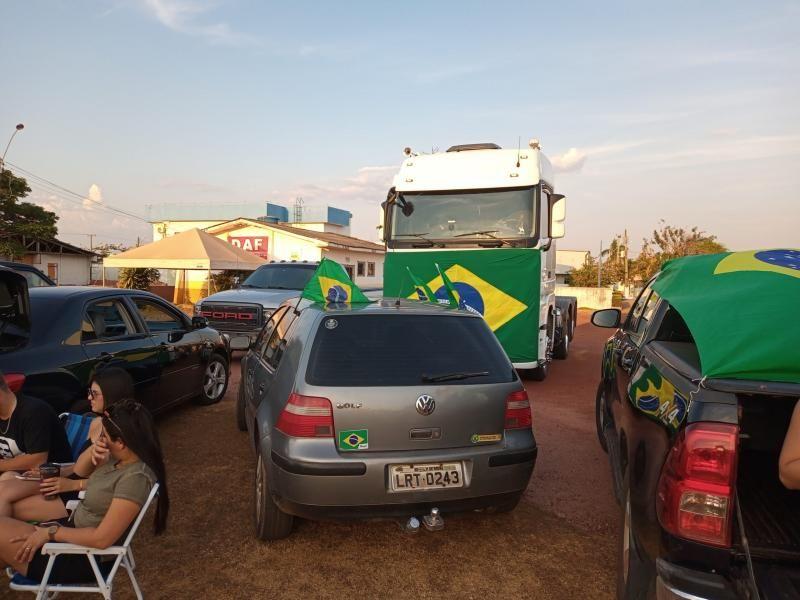 Manifestações pró-Bolsonaro são registradas em Rolim de Moura nesta terça-feira (07)