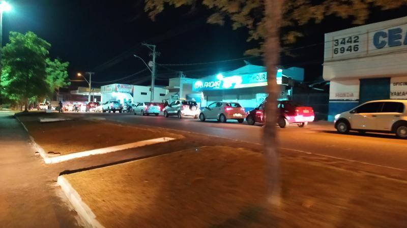 Atualização as 22 horas: Medo de desabastecimento gera filas enormes em todos os postos de combustíveis em Rolim de Moura