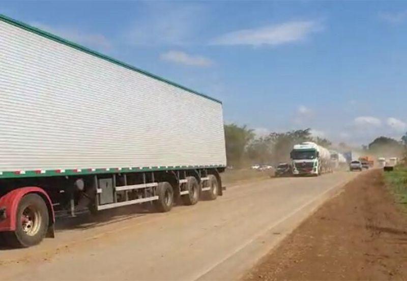 PRF diz que há um ponto de bloqueio total e três parciais nas rodovias de Rondônia