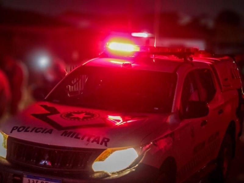 Nova Brasilândia: Se passando por policiais, bandidos invadem casa em busca de jovem, disparam tiros e fogem levando TV e celulares