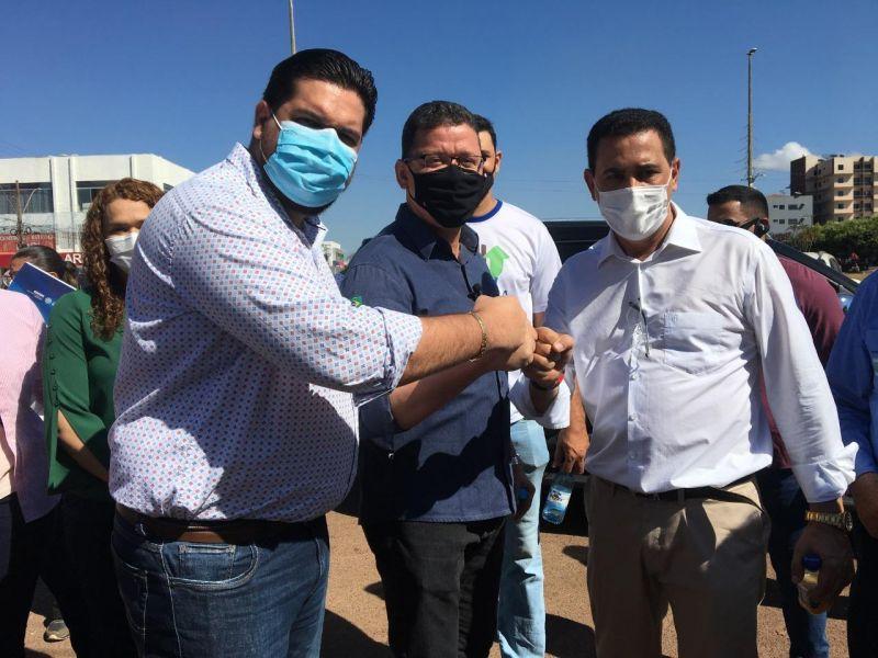 Aldo Júlio agradece governador Marcos Rocha, Diretor Geral do DER, Elias Rezende, e Deputado Jean de Oliveira por recuperação da malha viária do município
