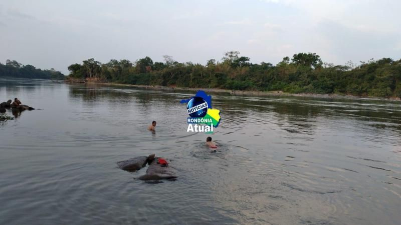 Localizados irmãos de 19 e 10 anos que morrem afogados no Rio Urupá em Ji-Paraná; Eles foram encontrados abraçados