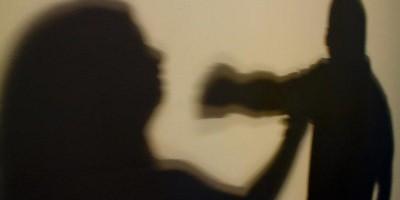 Grávida apanha do marido por usar dinheiro do Bolsa Família para consertar de celular