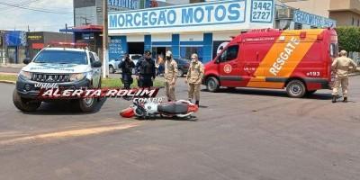 Colisão entre carro e moto deixa motociclista ferido em Rolim de Moura
