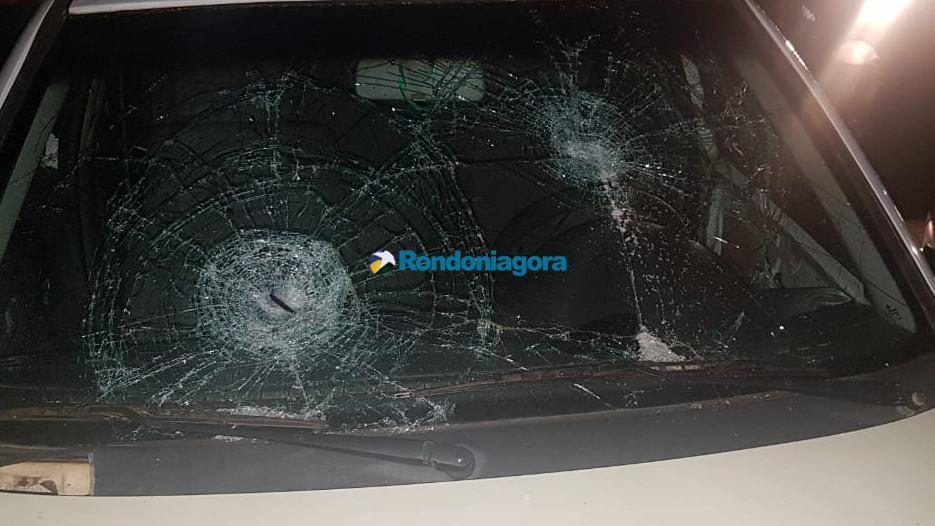 Lei Seca prende 15 por embriaguez; motorista se revolta e quebra o carro e passageiro rouba celular de equipe