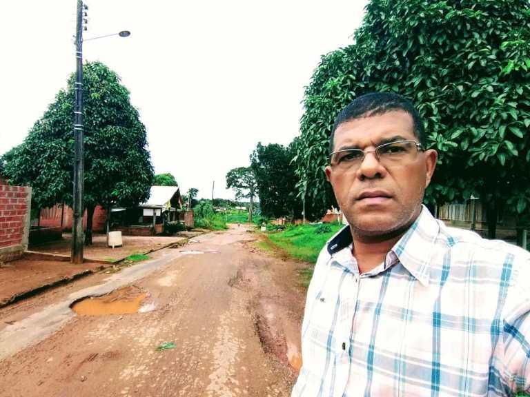 Vereador e Presidente da Câmara José Wilson faz visitas a COHAB em Santa Luzia.