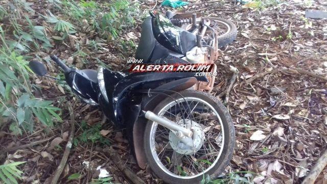 Rolim de Moura - Moto roubada na noite de ontem é localizada em travessão no Bairro Cidade Alta