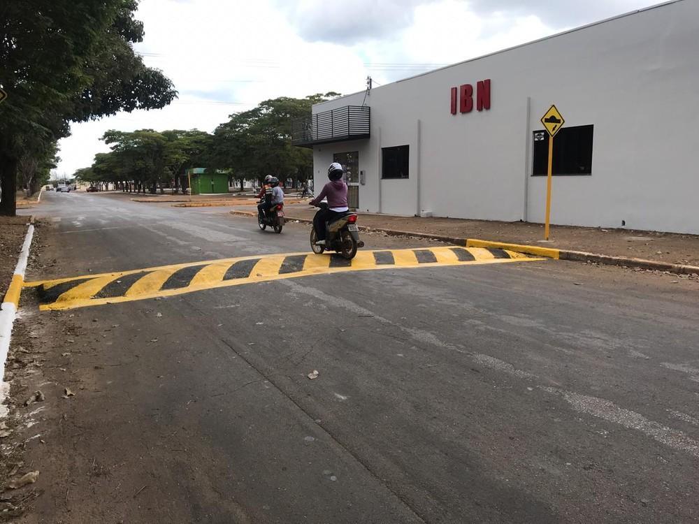 Motociclista é internado na UTI após acidente em quebra-molas de Vilhena, RO