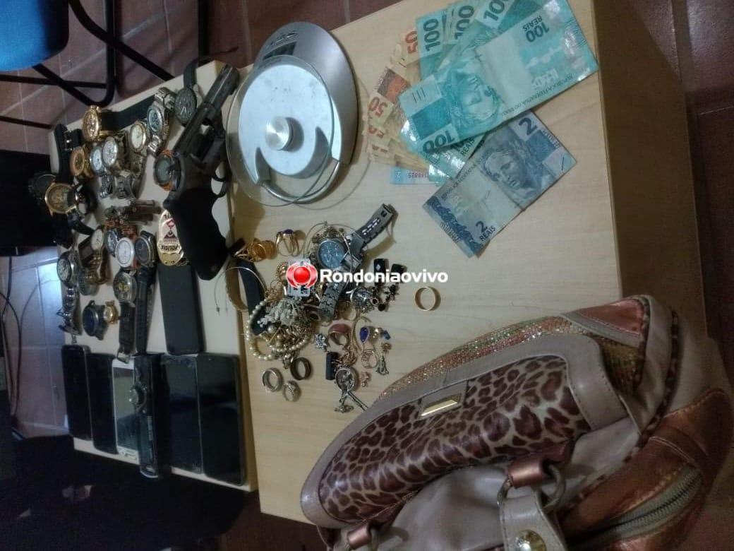 FLAGRANTE: Sevic do 2 ° DP prende homem armado e com vários relógios sem procedência
