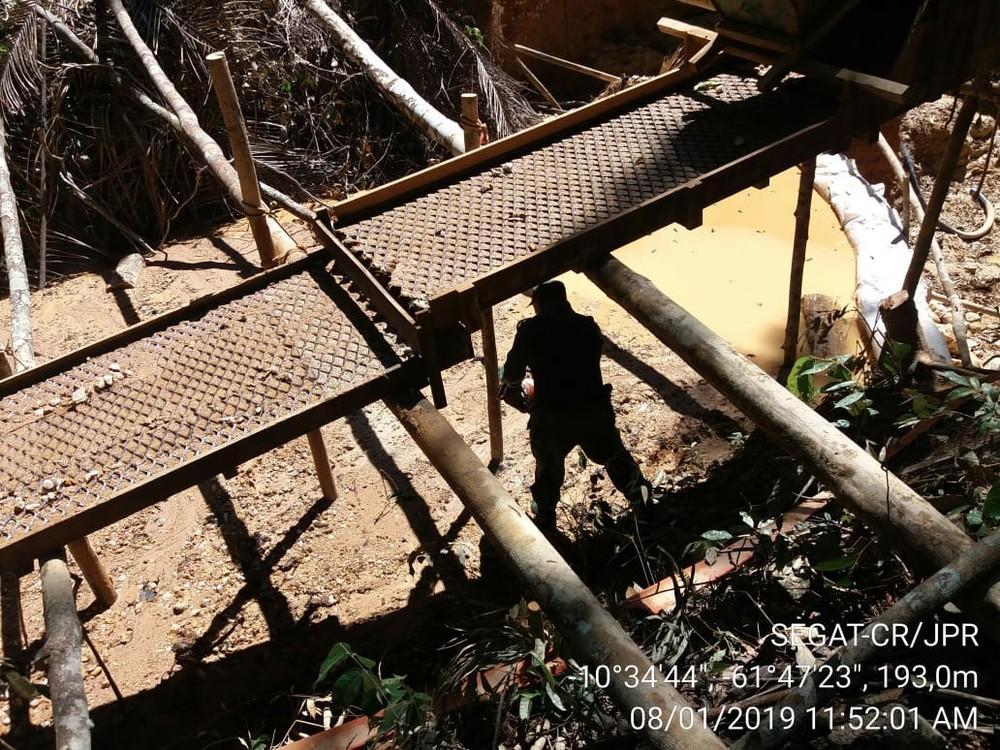 Grupo é preso por invadir e instalar garimpo dentro de reserva indígena em RO