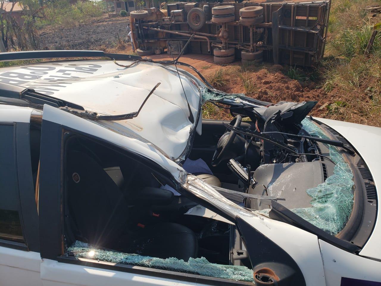 NOVA ESTRELA: Policiais militares se envolvem em acidente enquanto se deslocavam para prestarem apoio em ocorrência policial