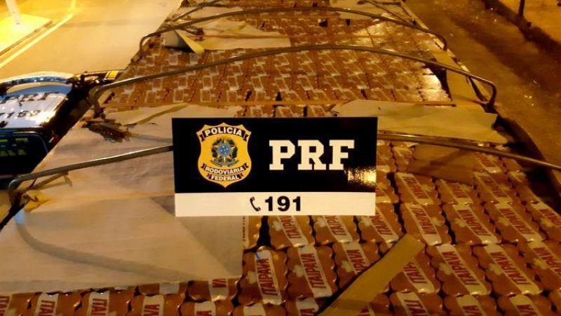 NA BR-364: PRF apreende caminhão carregado com quase 19 mil litros de cerveja