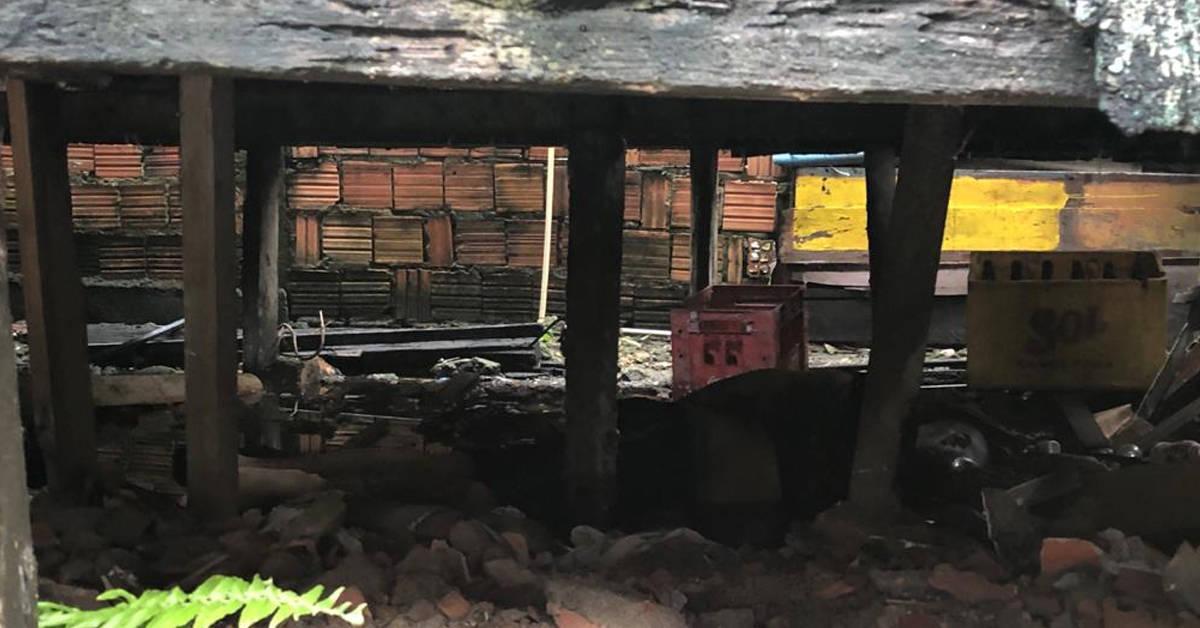 Homem é morto por rivais após se esconder embaixo de uma casa em Manaus