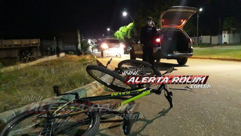 Motociclista é socorrido com suspeita de traumatismo craniano acidente com dois ciclistas em Rolim de Moura