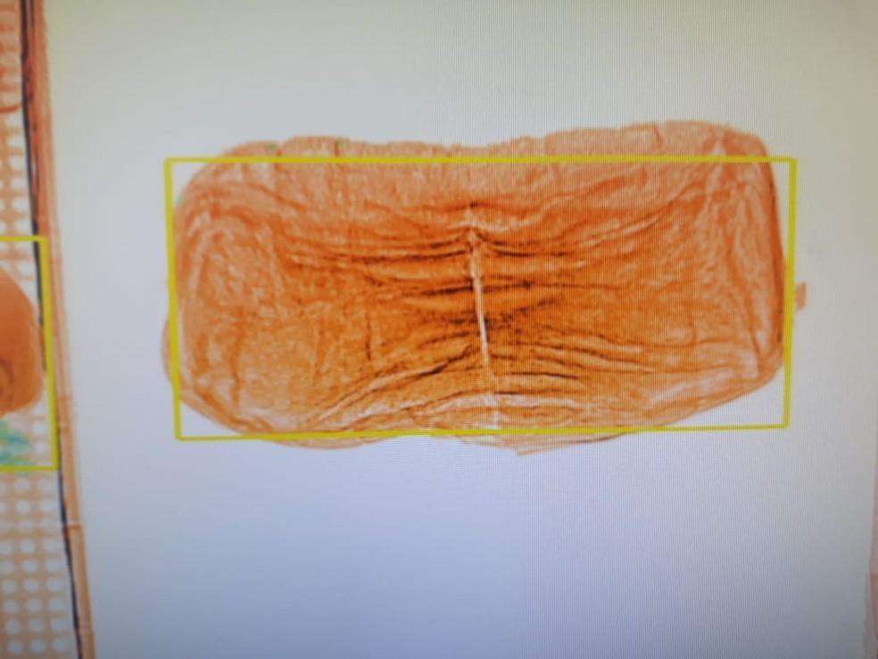 Pão recheado com tabaco é apreendido em presídio de Cacoal