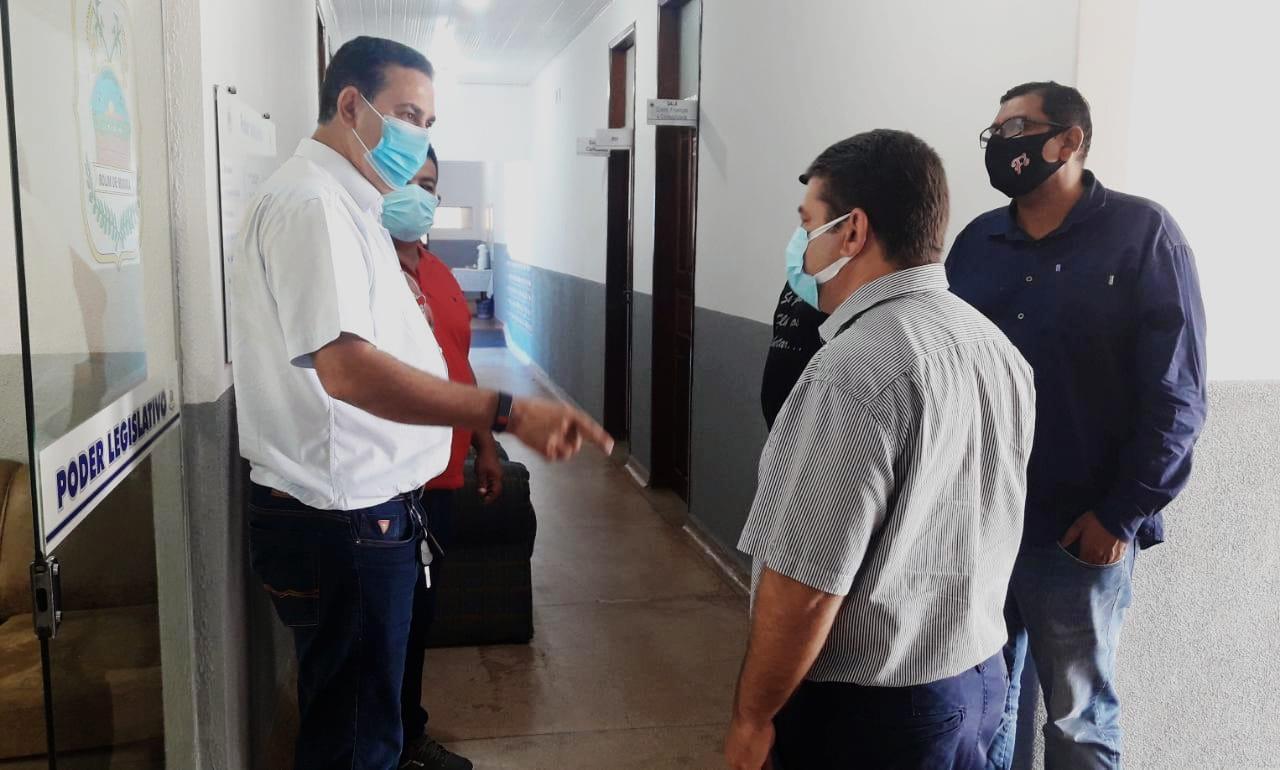 Fabrício Melo visita Aldo Júlio e o parabeniza pela eleição a prefeito de Rolim de Moura