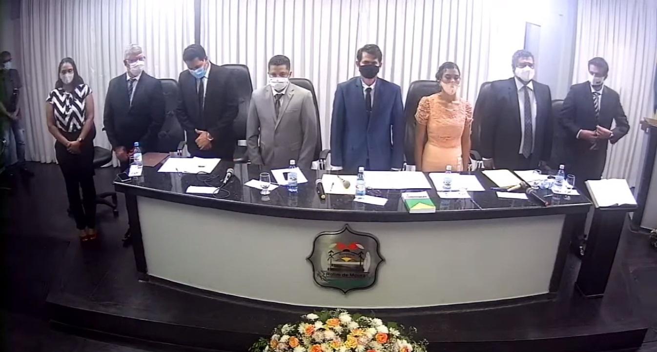 Prefeito e vereadores de Rolim de Moura tomam posse